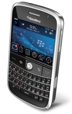 BlackBerry Bold 9000 Launched May 2008 You might say that the modern smartphone revolution started in January 2007 with the launch of th. Blackberry Mobile Phones, Phone Accesories, Smartphone Hacks, Blackberry Bold, New Technology Gadgets, Mobile Price, Vintage Phones, Flip Phones, Best Laptops