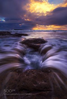 Sink hole by Goff_Kitsawad. Please Like http://fb.me/go4photos and Follow @go4fotos Thank You. :-)