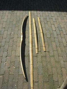 making bamboo backed bamboo bow, builld along - Bild Hafen Yumi Bow, Recurve Bows, Archery Bows, Bamboo Crafts, Archery Equipment, Longbow, Traditional Archery, Bowfishing, Bow Arrows