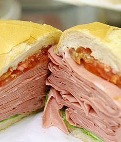 sanduíche mortadela [mercado municipal sao paulo]