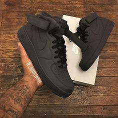 Emotionally Unavailable x Nike Air Force 1 High Valentinstag