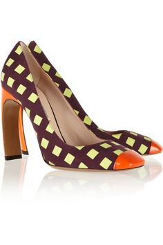 $950 - (more things pepole can get me as a gift for being me) Nicholas Kirkwood|Printed suede and patent-leather pumps|NET-A-PORTER.COM
