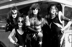 Kiss and Tell: Comparing the Original Band Members' Memoirs | Music News | Rolling Stone