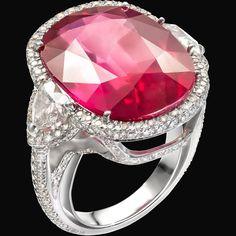 #ring #specialring #ruby #redpassion #jewellery #italianbrand #florence #vennarigioielli #illussodelleidee Photo by: @ottaviapoli  ROSSO D'AFRICA  Tramonto di fuoco / Fiery sunset  Anello in oro bianco con rubino taglio ovale 20,64 ct e diamanti 1,25 ct. / White gold ring with oval cut ruby 20,64 cts and diamonds 1,25 cts.