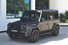 Matte black Mercedes g wagon! I'm in love with Kylie Jenners car