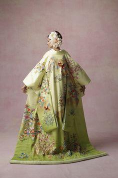 uchikake-style kimono 和装 打掛 四季花鳥