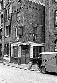 Town Of Ramsgate Public House, Wapping High Street, Stepney, London London Pubs, Old London, Historical Architecture, Industrial Architecture, London Docklands, London History, British History, Uk Photos, London Photos
