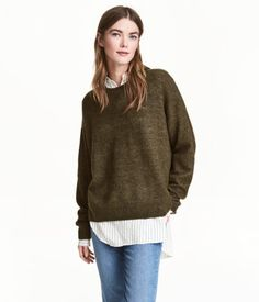 Oversized jumper in a soft, fine knit containing some wool with dropped shoulders and ribbing around the neckline, cuffs and hem. Slightly longer at the bac Oversized Jumper, H&m Online, Couture, Khaki Green, Hot Pants, Preppy, Fashion Online, Kids Fashion, Turtle Neck