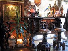 Cool tiki bar!