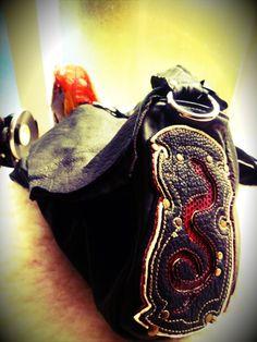 #leather #bag #messenger #ulantia #snake