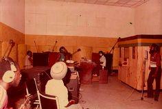 HARRY J STUDIOS, Kingston J.A.: here, recording session with Norman 'Fox Fire' Vassell (guitar), Derrick Barnett (bass), Clive Matthews (vocal), Desmond Gaynor (drums), Simeon Stewart (keys)...