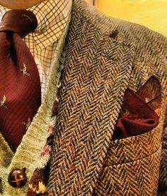 This is one pic my internet man sent me. I do like a man who wears tweed. : This is one pic my internet man sent me. I do like a man who wears tweed. Gentleman Mode, Gentleman Style, Vintage Gentleman, Style Outfits, Country Outfits, Mode Man, Tweed Run, Mode Vintage, Well Dressed Men
