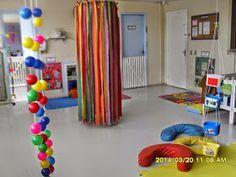 ORGANIZAÇÃ DE ESPAÇOS - BERÇÁRIO 1 Diy Sensory Toys, Sensory Rooms, Baby Sensory, Educational Activities For Kids, Infant Activities, Craft Stick Crafts, Diy Crafts For Kids, Rabbit Crafts, Infant Classroom