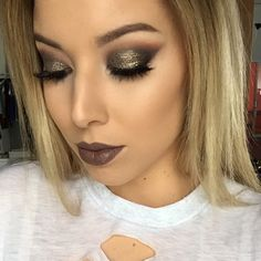 What's gorgeous, and glamorous, and glittery all over?! This smoky look by the always-stunning @lustrelux! She used our pigment in Utopialink to her YT tutorial is in our bio. Happy Friday, Muggies! ✨ #makeupgeekcosmetics #makeupgeek #teamMUG