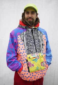 Taking colour blocking to the extreme with this inspired juxtaposed and pattern clash retro ski jacket taken at Freeze Festival WGSN Festival Trends, Urban Fashion, Womens Fashion, Streetwear, Swagg, Look Cool, Tutu, Paisley, Grunge