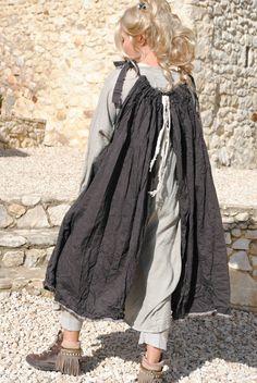 Amelie une petite robe toute simple plus longue sur les cotés derrière plus long que devant tissu mélangé de couleur...