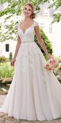 Top 10 V Neck Neckline Dress / Wedding Dress - Stil Mode - Brautkleid Wedding Dress Trends, Wedding Dresses Plus Size, Best Wedding Dresses, Bridal Dresses, Wedding Ideas, Trendy Wedding, Wedding Skirt, Wedding Summer, Wedding Hacks