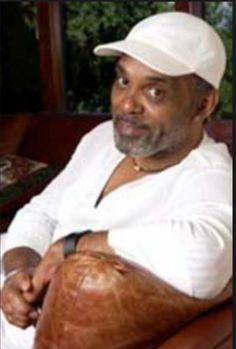 Frankie Beverly, Handsome Black Men, Soul Music, Celebs, Celebrities, Maze, Black History, Celebrity News, Sculpture Art