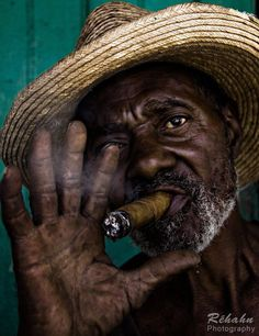 Smoking time on the streets of Havana, Cuba By Réhahn Photography