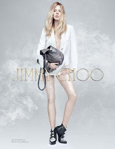 Nicole Kidman perdeu as calças e também uns 30 anos nesse anúncio da Jimmy Choo - Blue Bus