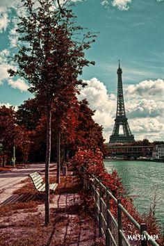Eiffel Tower by Maesta-Dara.deviantart.com