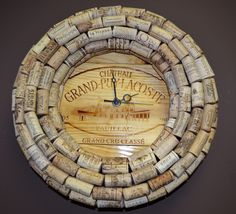 Wine Cork Clock - Wine Decoration - Classy Hanging Wall Clock made from Cork and… Wine Bottle Corks, Diy Bottle, Bottle Crafts, Wine Cork Projects, Bottle Cap Projects, Diy Projects, Wine Craft, Wine Cork Crafts, Diy Cork
