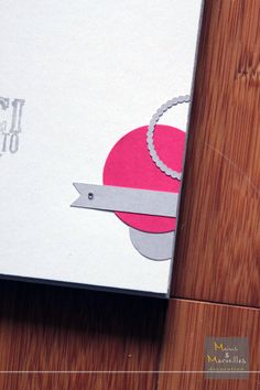 Livre d'or mariage en Gris, Framboise / Fushia et Blanc http://www.mainsetmerveillesdeco.fr/