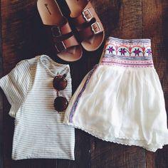 Skirt mexico boho white boho birkenstocks white skirt striped t-shirt summe Look Fashion, Teen Fashion, Womens Fashion, Mode Style, Style Me, Shorts, Summer Outfits, Cute Outfits, School Outfits