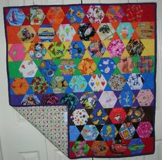I Spy Quilt: WOW, I do like this one ALOT! Might be too complicated for my amateur sewing brain though!