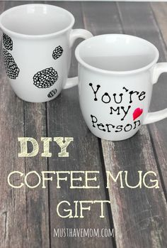 DIY Sharpie Mug Without The Sharpie! Secret to make it work (hint-don't use a Sharpie!) Perfect gift idea for friends
