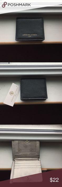 "🎄Adrienne Vittadini wallet Sweet, small, clean lines, 4 1/4"" x 3 3/4"" black pebble wallet Adrienne Vittadini Bags Wallets"