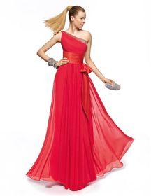 Pronovias präsentiert Ihnen das Modell Zelmira aus der Kollektion Brautjungfer 2013. | Pronovias
