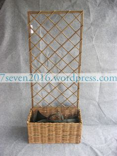 Gardening natural willow planter with non-woven bag.