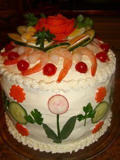 I've never heard of a Sandwich Cake but it sure does look interesting. Sandwich made to look like a cake. Party Trays, Party Snacks, Appetizers For Party, Appetizer Recipes, Cold Sandwiches, Party Sandwiches, Sandwich Torte, Sandwich Recipes, Tortillas Veganas