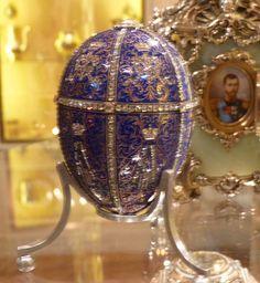 Twelve Monogram (Fabergé egg).jpg