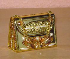 Supersüß und edel ist diese kleine Acryl-Handtasche, opak - gold-farben, die von mir in liebevoller Handarbeit gestaltet wurde.  Ein Unikat von S...