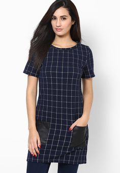 Bring checks into play for your winter vogue by wearing this blue tunic from Dorothy Perkins. Made from soft cotton fabric, this tunic can be wonderfully clubbed with monochromatic leggings and flats for a trendy off-duty look.