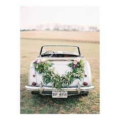 great vancouver wedding Lovin' it!! ❤❤❤ #cwvancouver #weddinginspiration #vancity #wedding #weddingcar #weddingfashion #weddingidea #yvr #iwant #lovinit #beautiful #sopretty #weddingflower Follow us @cwvancouver for more wedding inspirations. @Regrann from @oncewed - I love beginning the week with so much beauty from @odalysmendez @chanceycharm @blueeyedyonder. The garland created by @hollymcarlisle is especially lovely! #Regrann by @cwvancouver #vancouverwedding #vancouverwedding