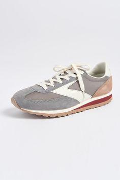 Vanguard Neutral Sneaker