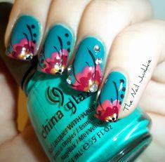 The Nail Junkkie - Bohemian Floral Design