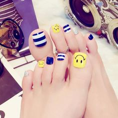 24 pcs cute stripe solid color false toe nails