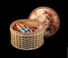 Комбинированная шкатулка - игольница  для ниток Цветочное лукошко. Handmade.