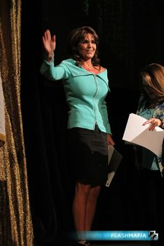 Full-Body Shot of blow up chest: the Thrilla from shape shifting inflatable flotation devices enter the stage. speech to Shareholders in Life fund-raiser and silent auction audience on April Sarah Palin Hot, Christina Ag, Body Shots, Michelle Rodriguez, Tv Presenters, Famous Women, Famous People, Sandra Bullock, Classy Women