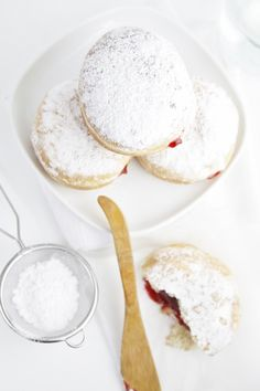 Strawberry Filled Doughnuts from @Paula - bell'alimento