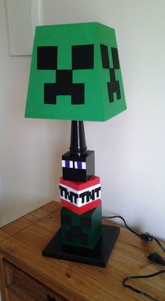Abajur Minecraft, medidas 60cm de altura. Venda somente para retirada no local(não enviamos pelo Correio)
