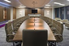 Board room, London NW1, 20,000 - 50,000 sq. ft. A design and build project by www.oktra.co.uk.