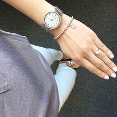 Today's outfit. Dusty lavender shirt from @splendidla @oldnavy jeans @skagendenmark watch, everyday @tiffanyandco bracelet #lookoftheday #ootd #whatiwore #whitedenim #splendid #oldnavy
