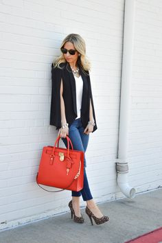 Slitted And Cape Sleeves Casual Summer Outfits, Fall Outfits, Cute Outfits, Fashion Outfits, Love Fashion, Womens Fashion, Fashion Styles, White Sneakers Outfit, Black Cape
