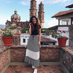 Ran out of captions, but never out of beautiful backdrops! Travel Pictures Poses, Foto Casual, Girl Fashion, Fashion Outfits, Portrait Photography Poses, Foto Pose, Vacation Outfits, Picture Poses, Designer Dresses