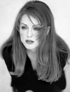 """""""I'm looking for the truth. The audience doesn't come to see you, they come to see themselves.""""—Julianne Moore"""